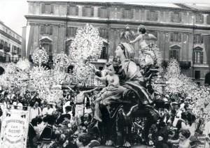 Cuneo 1983 Piazza Galimberti B V Maria