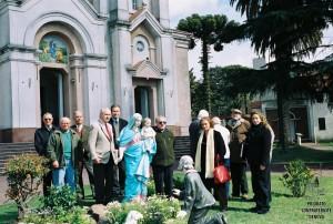 17,Davanti alla Chiesa di Bernal